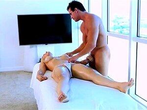 Порно на массажер массажеры для увеличения грудей