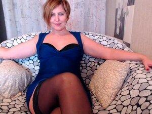 Sexy madura rubia Milf en Webcam con azul