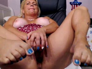 Camgirl booty gorda rubia madura se masturba en