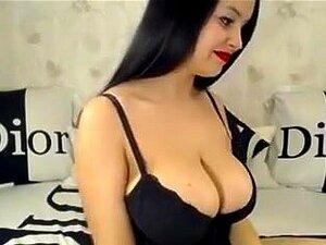 Milf morena tetona Europea me fastidia en webcam