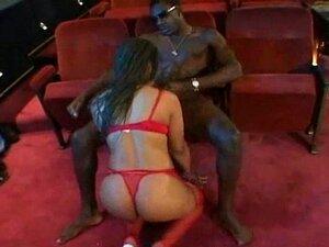 Mujeres muy viciosas en cines porno Mujeres Solas Follando En El Cine Porno Teatroporno Com