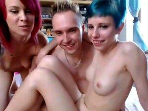 Chica emo de Chaturbate trío sexo en