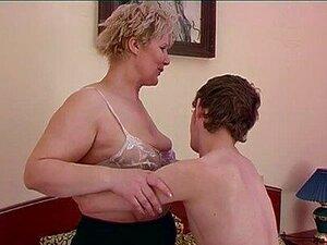Maduras seduce al hijo del vecino porno Maduras Follando Al Hijo Del Vecino Porno Teatroporno Com