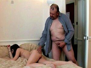 Padre y amigos follando en grupo porno Mi Padre Me Regala A Sus Amigos Porno Teatroporno Com